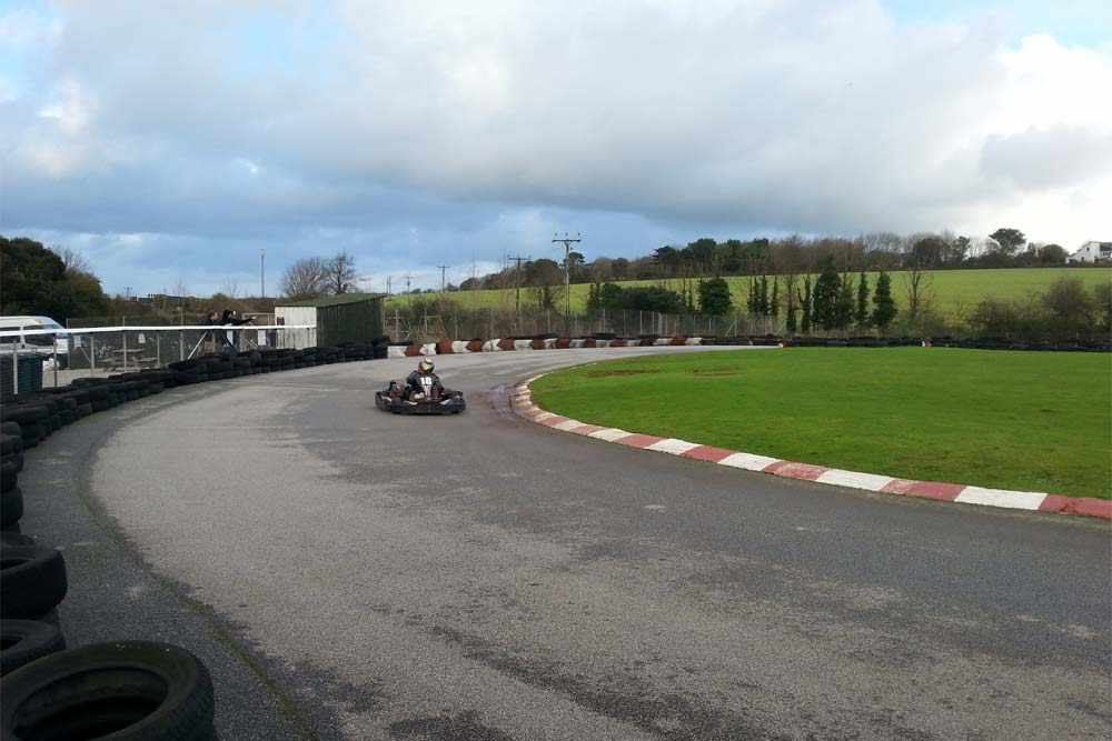 junior-boarding-go-karting
